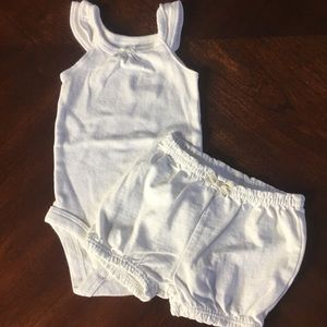 Carters NB 2-piece white outfit